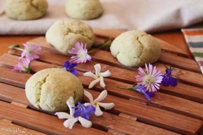 Biscotti al tea matcha