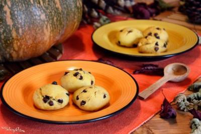 Biscotti alla zucca con gocce di cioccolato