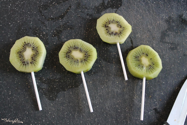 Lillipop di kiwi al cioccolato