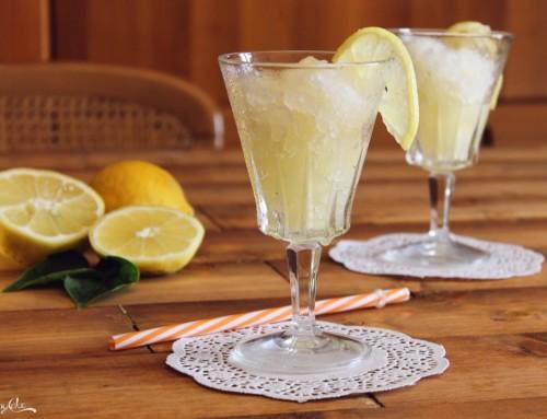 Granita al limone fatta in casa